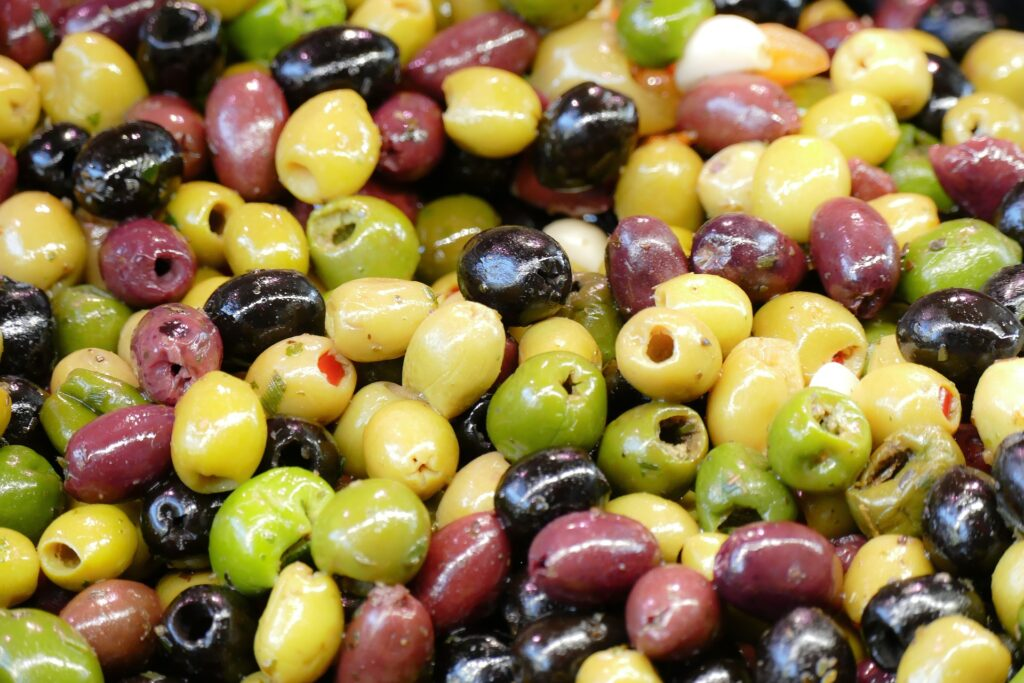 Tapas olives mixed